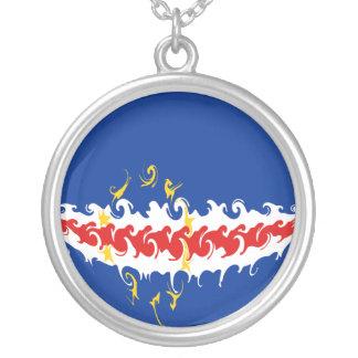Kap Verde Gnarly flagga Halsband Med Rund Hängsmycke