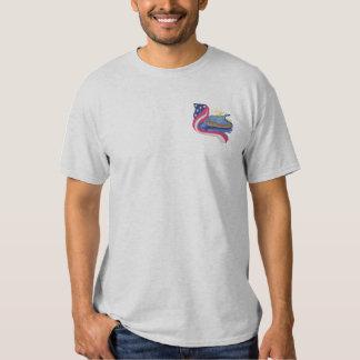 Kår av upptäckten broderad t-shirt