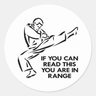 Karate Muttahida Majlis-E-Amal, ÄR du spänner in Runt Klistermärke