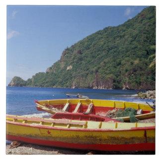 Karibiskt BWI, St Lucia, segelbåtar, Soufriere. Kakelplatta