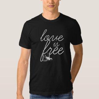 Kärlek är fri manar mjuka utslagsplats t shirt