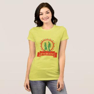 Kärlek är kärlek - gul T-tröja T Shirts