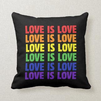 kärlek är kärlek kuddar