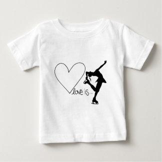 Kärlek är konståkningen, flickaskater & hjärta t-shirt