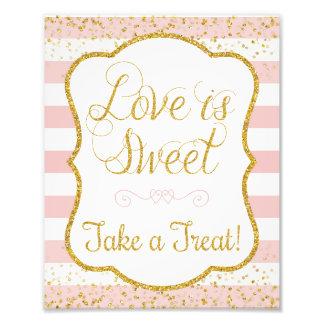 Kärlek är söt tar en fest undertecknar •, tryck 8