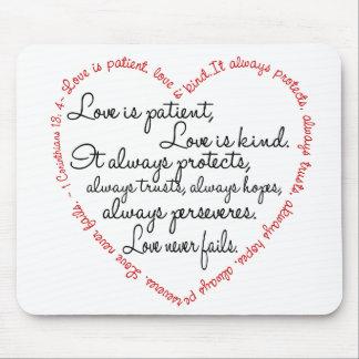Kärlek är tålmodig ordhjärta musmatta