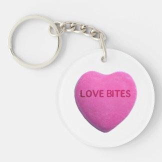 Kärlek biter rosa godishjärta