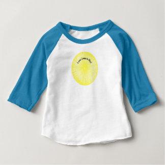 Kärlek bor i mig skjortaför barn t-shirt