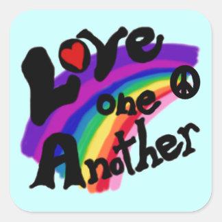 Kärlek en en andra T-tröja och gåvor Fyrkantigt Klistermärke