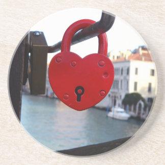 kärlek låser i venice underlägg sandsten