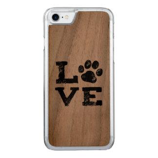 KÄRLEK med hundtasstrycket Carved iPhone 7 Skal