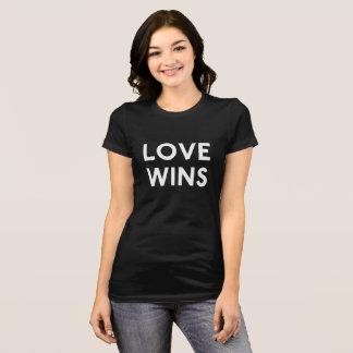 Kärlek segrar T-tröja Tee