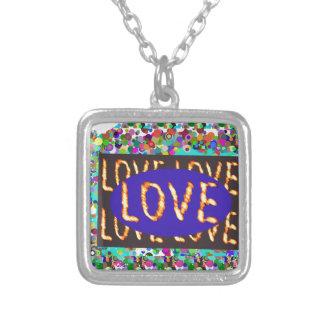 KÄRLEK skrivar:  Romantiskt uttryck Silverpläterat Halsband