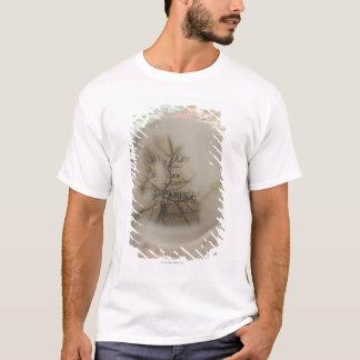 Karta av Europa som ses till och med kristallkula T-shirt