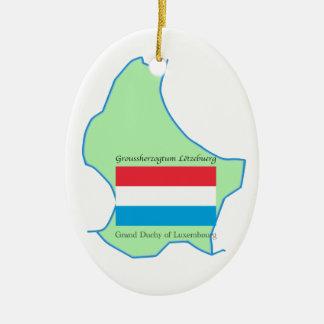 Karta och flagga av den Luxembourg prydnaden Ovalformad Julgransprydnad I Keramik
