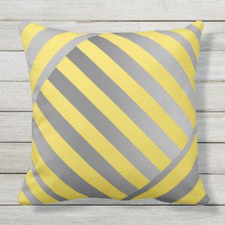 KastKudde-Design i gult- & gråttrandar Kudde
