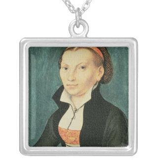 Katharina von Bora, framtida fru av Martin Silverpläterat Halsband