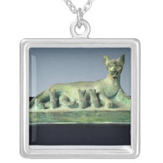 Katt med dess kattungar silverpläterat halsband