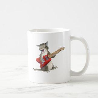 Katt som leker gitarren kaffemugg