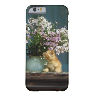 Kattsitta förutom blommavasen på fönstersill barely there iPhone 6 fodral