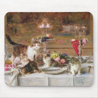 Kattungar på en bankett, 19th århundrade musmatta
