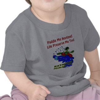 Kayaking oförskräckta roliga gåvor tee shirt