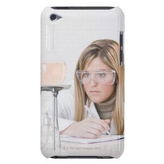 Kemist tittar Bunsen gasbrännare Case-Mate iPod Touch Fodral