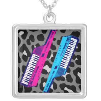 Keytar för vintage för Corey tiger80-tal Retro Halsband Med Fyrkantigt Hängsmycke