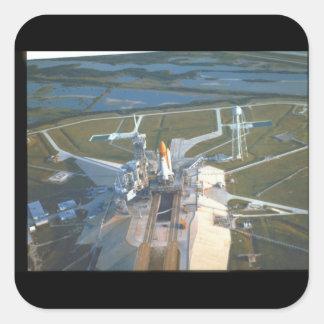 Kickvinkel av Atlantis_Space Fyrkantigt Klistermärke