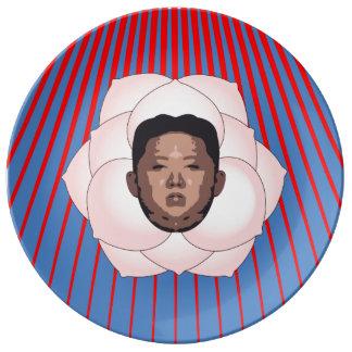 Kim Jong Un på Magnolia med röda strålar Porslinstallrik