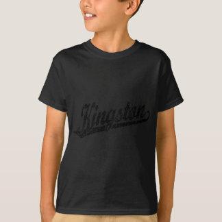 Kingston skrivar logotypen i bekymrad svart tshirts