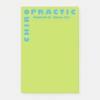 Kiropraktor typografi i kricka- och Mintgrönt Post-it Block