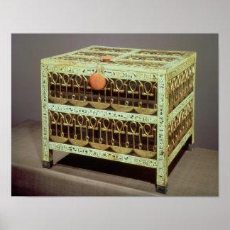 Kista från kassan av graven av poster