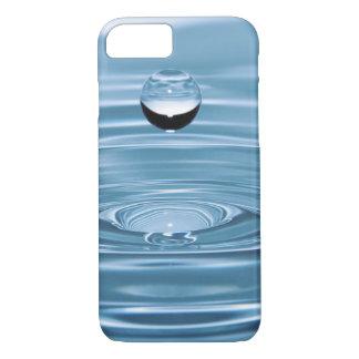 Klart blåttvatten tappar knappt där iPhone 7 cases