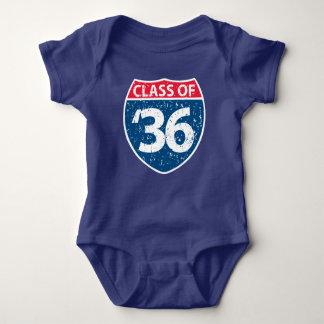 Klassificera av baby 2036 ett biet t-shirt
