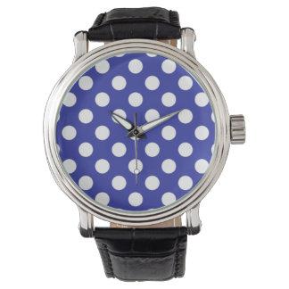 Klassikerblått- och vitpolkaen pricker klockan armbandsur