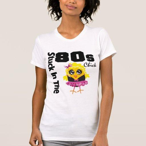 Klibbat i 80-talchicken tröja