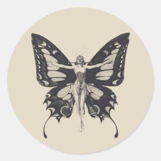Klistermärke för runda för vintagefjärilskvinna