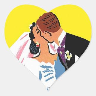 Klistermärkevintage kopplar ihop kyssen för hjärtformat klistermärke