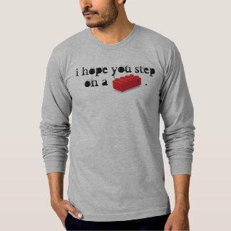 Kliva på en utslagsplats tee shirts