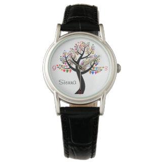 Klockan för hjärtaträdkärlek numrerar namn armbandsur