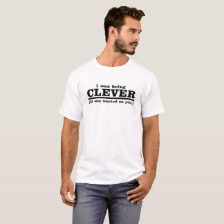 Klyftig skjorta tee shirt