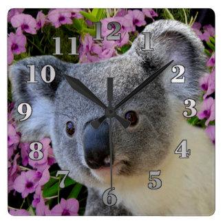 Koala och Orchids Fyrkantig Klocka