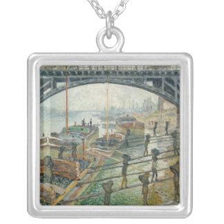 Kolarbetarna, 1875 silverpläterat halsband