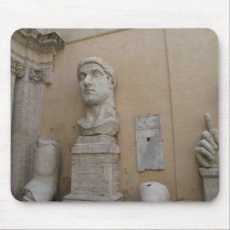 Kolossal staty av Constantine Musmatta