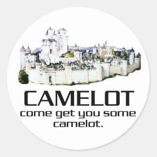 Komen får dig någon Camelot. Runt Klistermärke