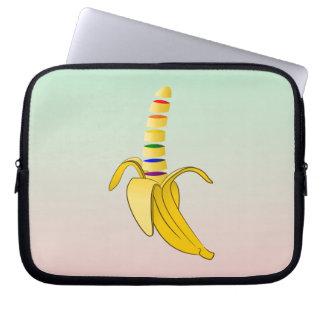 Kommande ut banan för gay pride laptop sleeve