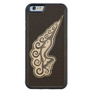 Konst för stil för silverNarwhal vågar Celtic Carved Lönn iPhone 6 Bumper Skal