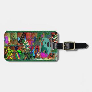 konst för U-plocka färggrafitti på tegelstenväggen Luggage Tags