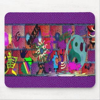 konst för U-plocka färggrafitti på tegelstenväggen Musmattor